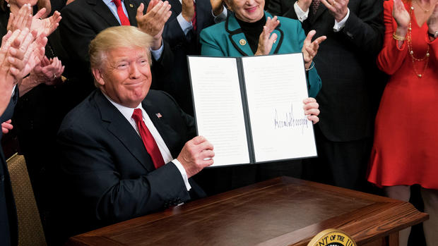 Trump signs order to eliminate ACA insurance rules, undermine marketplaces